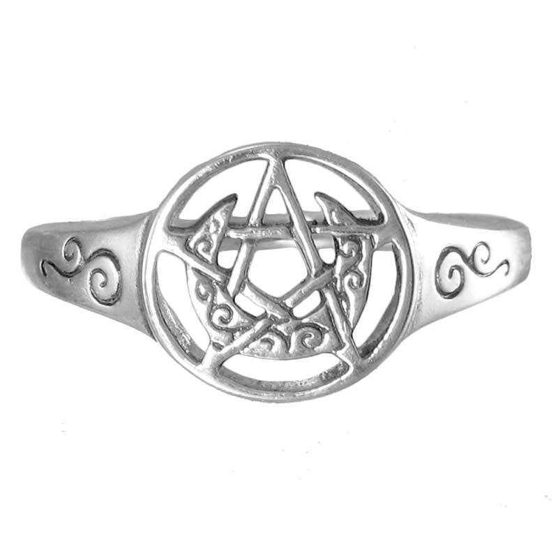 anello con luna crescente e pentacolo