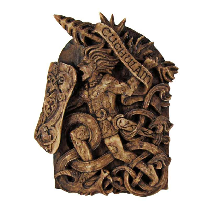 statua pagana di divinità Cuchulain effetto legno